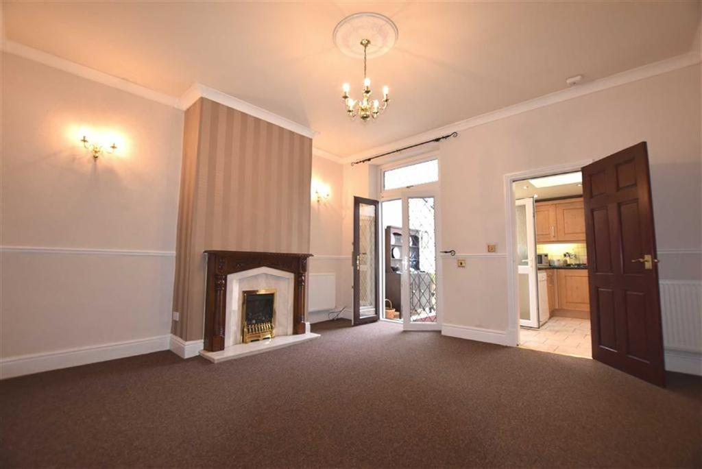 2 Bedrooms Terraced House for sale in Ennismore Street, Burnley, Lancashire