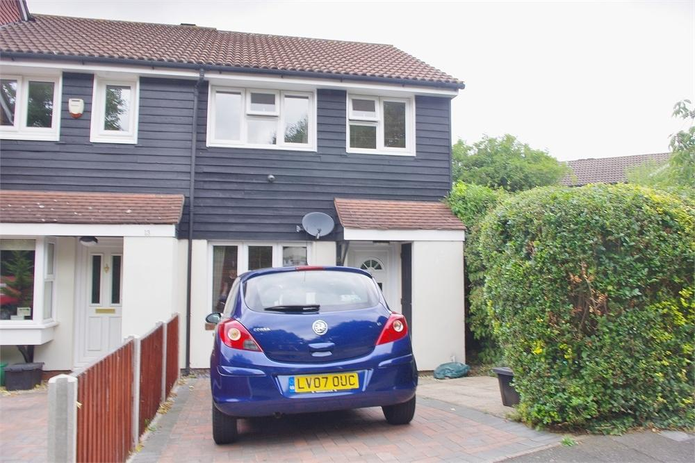 3 Bedrooms End Of Terrace House for sale in Doveney Close, St Pauls Cray, ORPINGTON, Kent