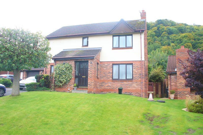 4 Bedrooms Detached House for sale in Lon Ceirios, Abergele