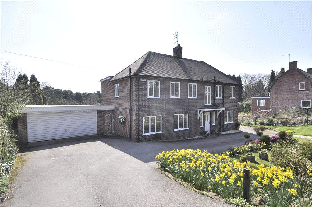 4 Bedrooms Detached House for sale in Alwoodley Lane, Alwoodley, Leeds