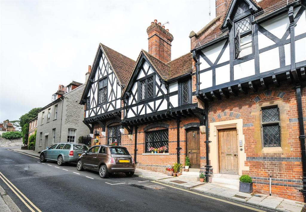 2 Bedrooms Terraced House for sale in Maltravers Street, Arundel