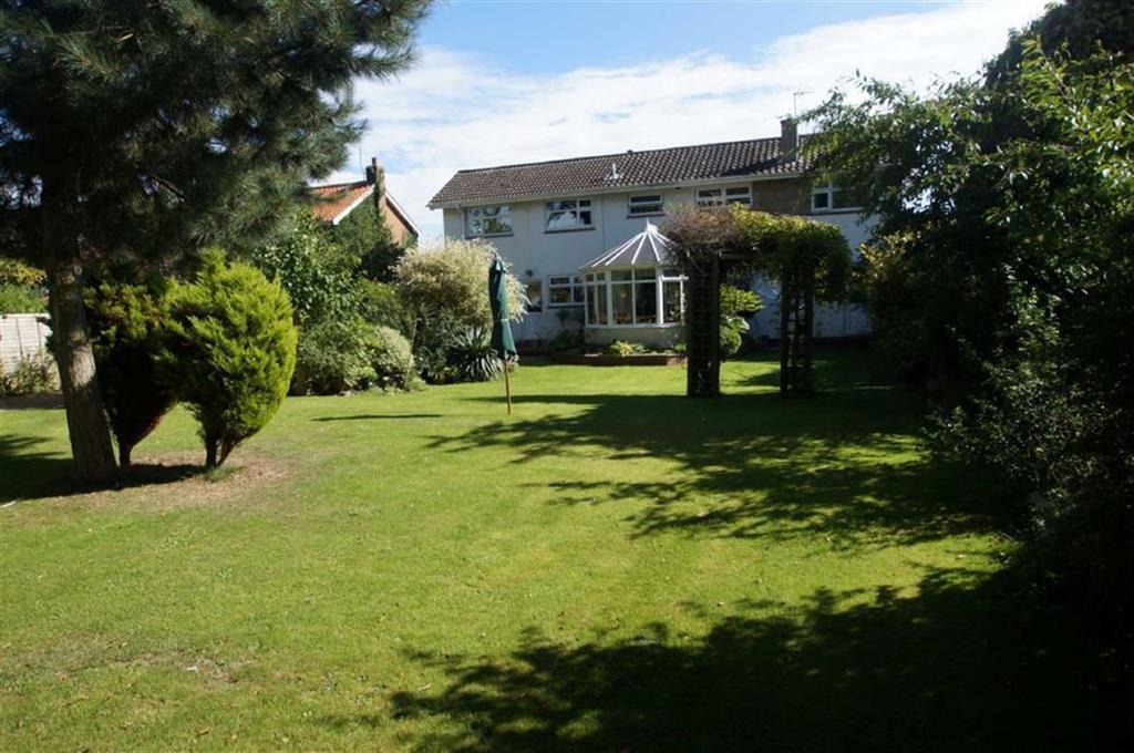 4 Bedrooms Detached House for sale in Elmfield Drive, Brandesburton, East Yorkshire