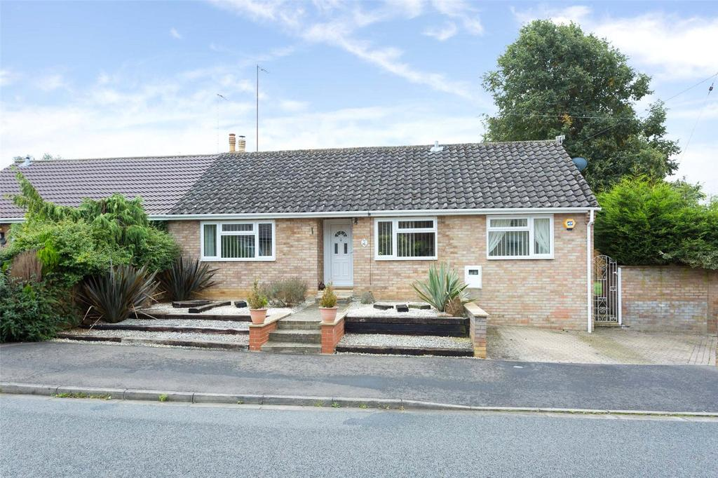 3 Bedrooms Semi Detached Bungalow for sale in Orchard Close, Orlingbury, Kettering, Northamptonshire, NN14