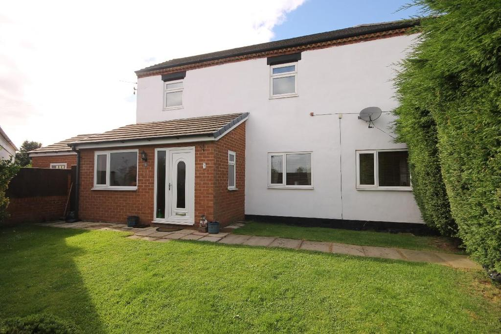 3 Bedrooms Detached House for sale in Beaconsfield Road, Norton