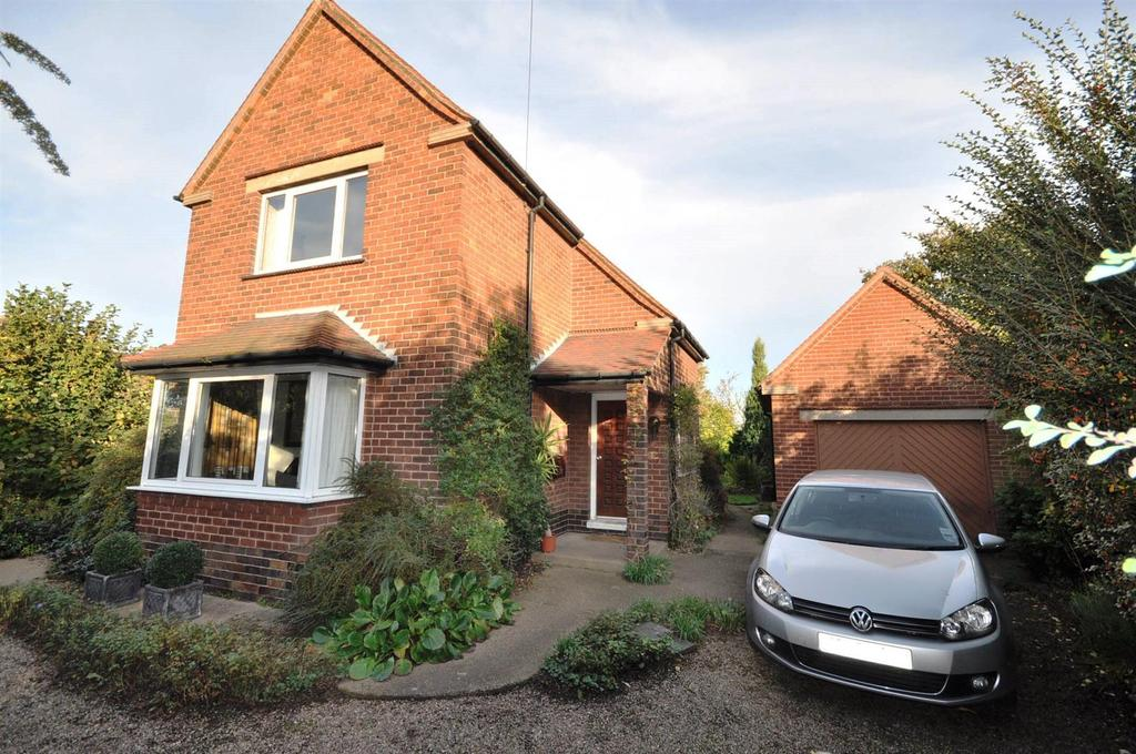 3 Bedrooms Detached House for sale in Great North Road, South Muskham,
