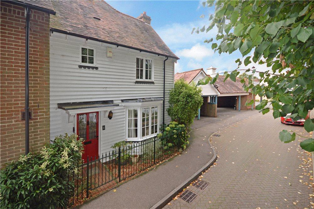 3 Bedrooms Semi Detached House for sale in Stonegate, Wye, Ashford, Kent