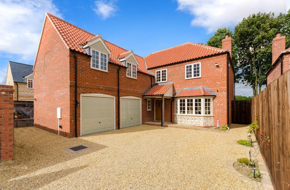 5 Bedrooms Maisonette Flat for sale in Bridleway Close, Nocton, Lincoln, LN4