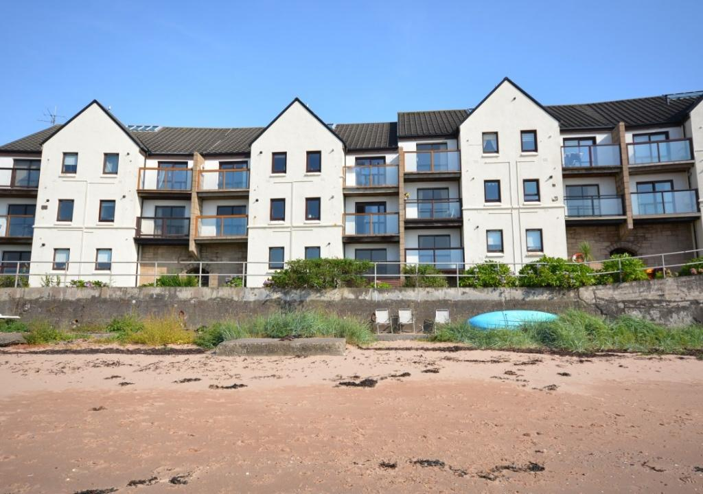 2 Bedrooms Apartment Flat for sale in 59 Bay Street, Fairlie, KA29 0AL