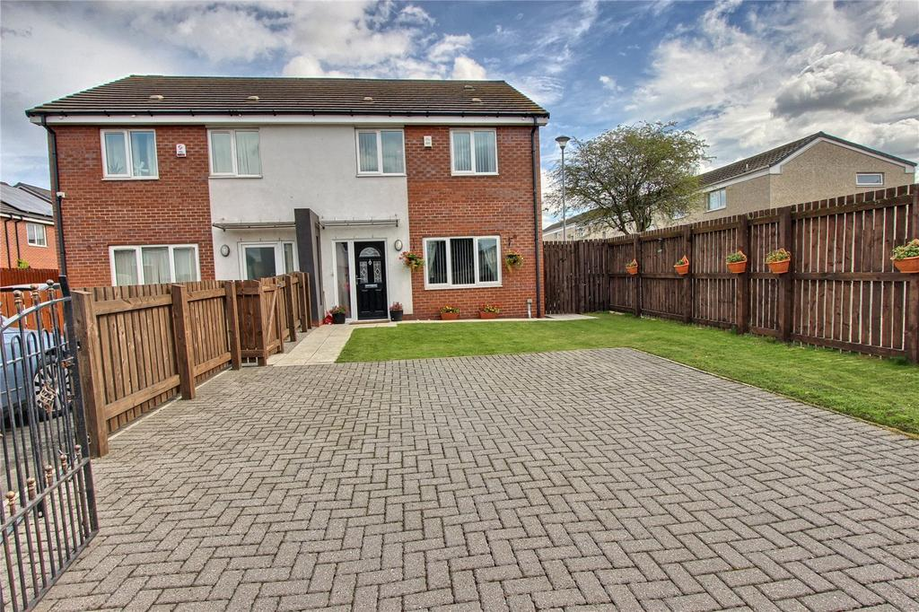 3 Bedrooms Semi Detached House for sale in St Albans Court, Newport