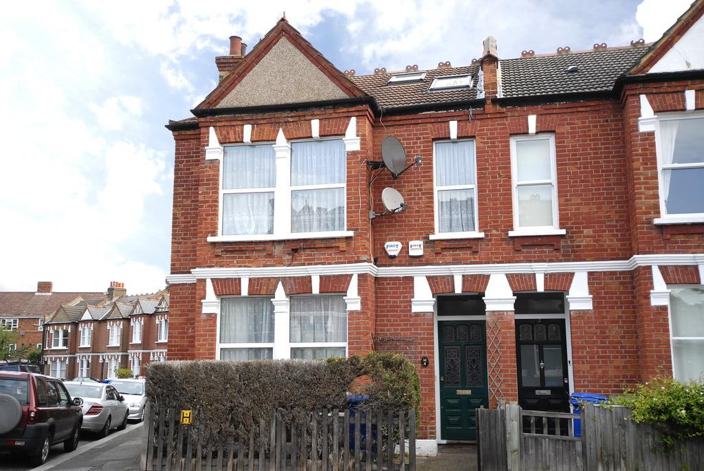 3 Bedrooms Ground Flat for sale in Playfield Crescent East Dulwich