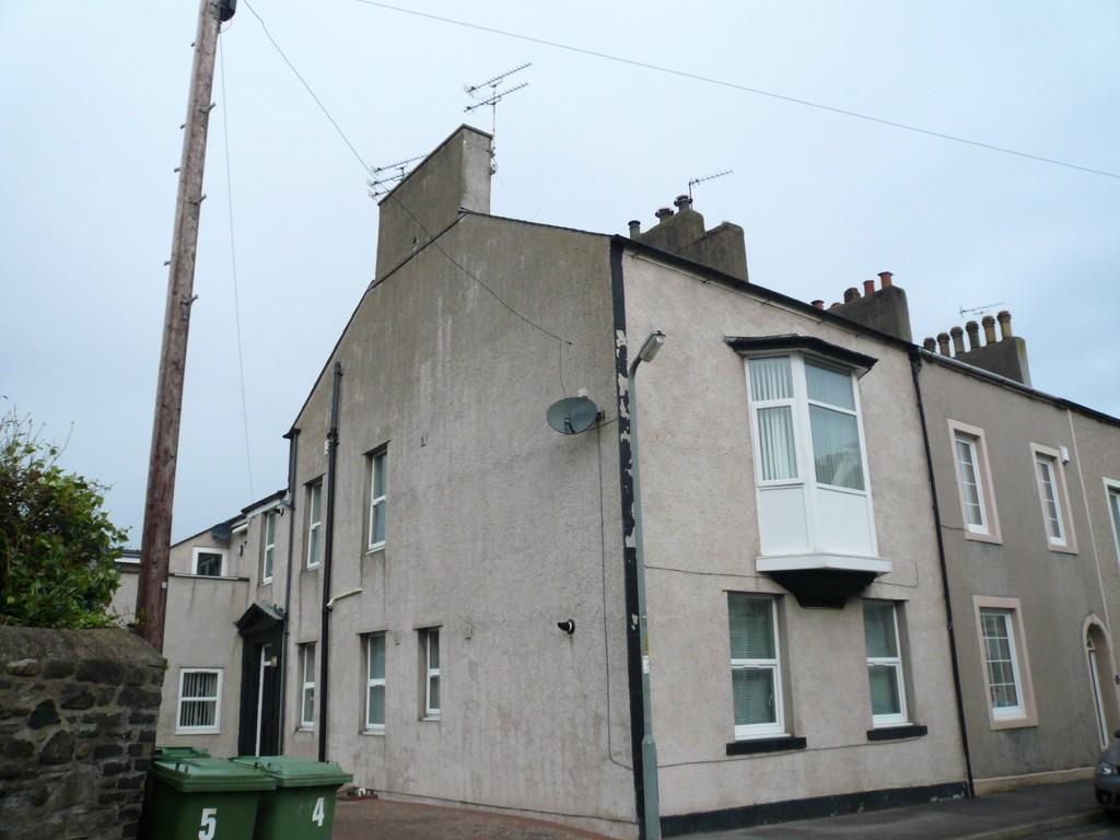 2 Bedrooms Flat for sale in Belle Isle Street, Workington