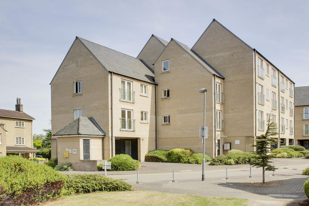2 Bedrooms Apartment Flat for sale in Skipper Way, Little Paxton, St Neots