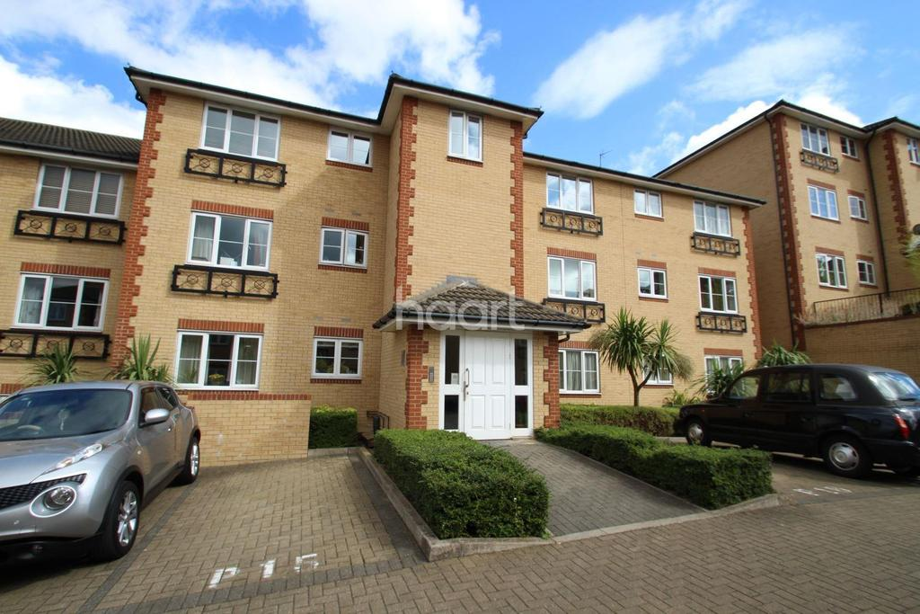 1 Bedroom Flat for sale in Aspen Court, Clayhall