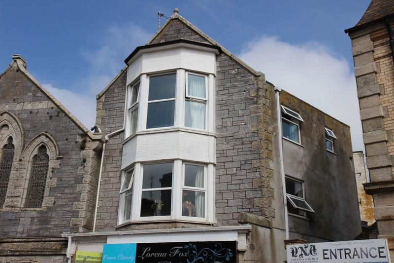 2 Bedrooms Apartment Flat for sale in Beachfield Avenue, Newquay