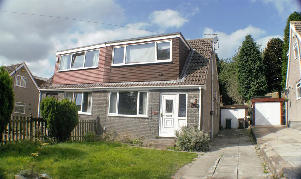 3 Bedrooms Semi Detached House for sale in Reevy Avenue, Wibsey, Bradford, BD6 3EQ