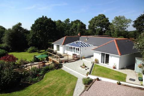5 bedroom bungalow for sale - East Worlington, Crediton