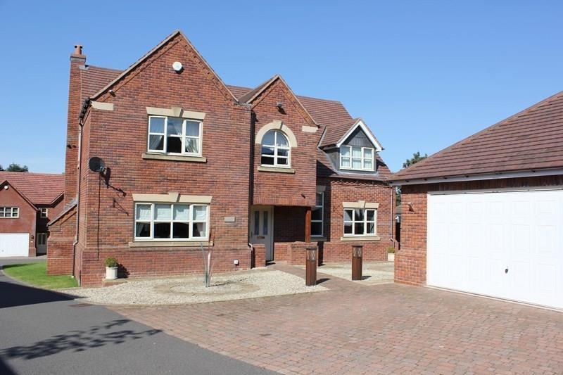 4 Bedrooms Detached House for sale in Blackberry Lane, Halesowen