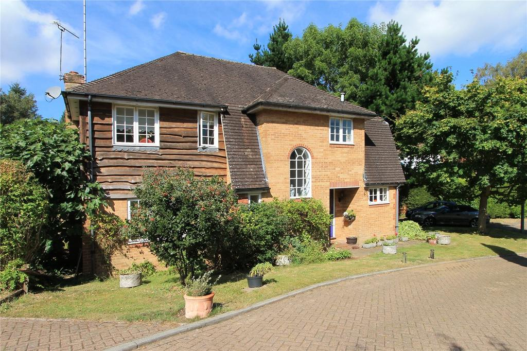 5 Bedrooms Detached House for sale in Turners Gardens, Sevenoaks, Kent, TN13