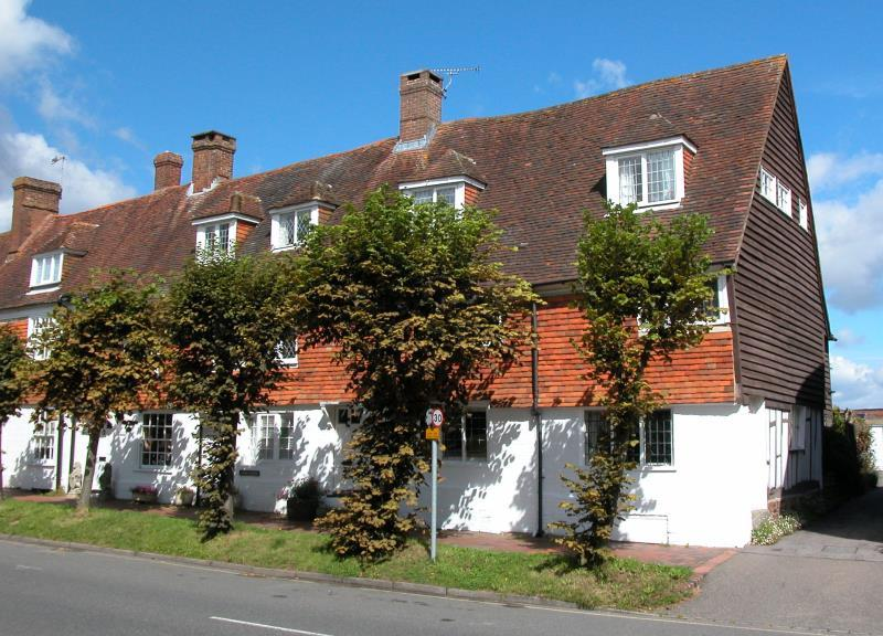 5 Bedrooms Semi Detached House for sale in High Street, Burwash, Etchingham, East Sussex, TN19