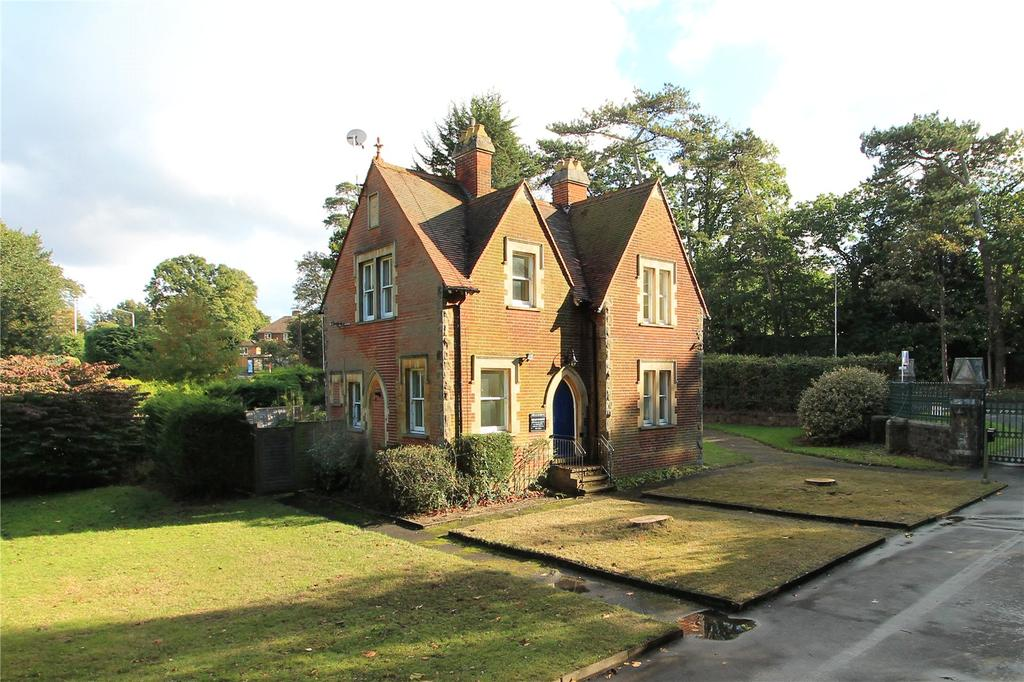 3 Bedrooms Detached House for sale in Seal Road, Sevenoaks, Kent, TN14