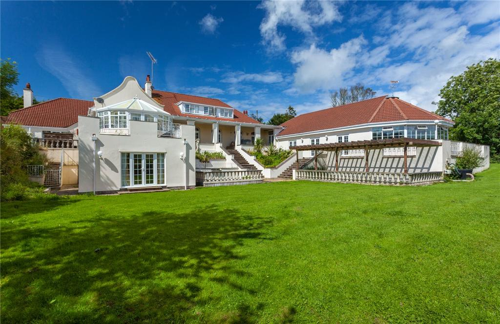 7 Bedrooms Detached House for sale in Berry Down, Combe Martin, Devon, EX34