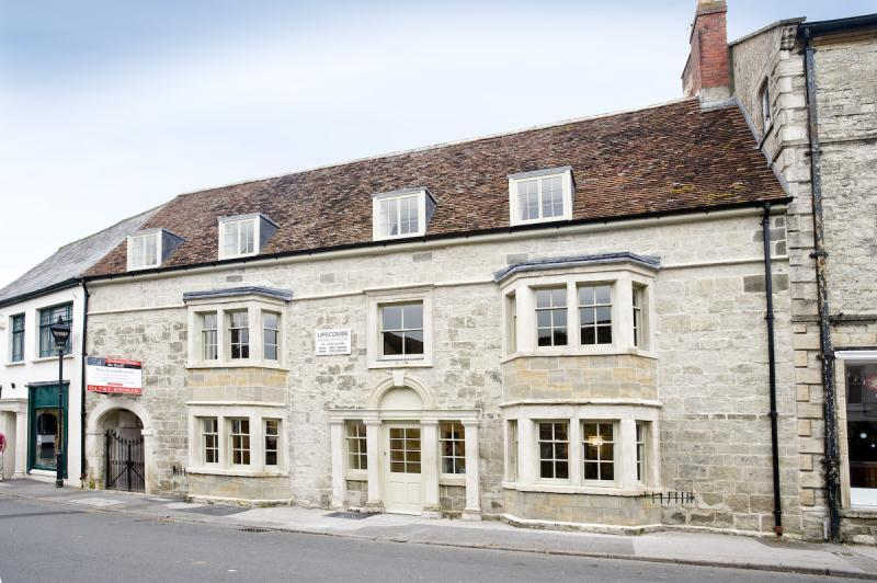 Maisonette Flat for sale in The Square, Mere, Warminster, Wiltshire, BA12