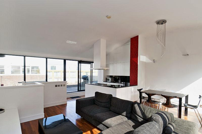 3 Bedrooms Flat for sale in Tanners Yard, 239 Long Lane, Bermondsey, London