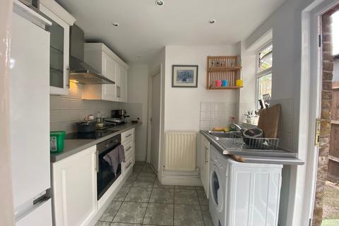 4 bedroom terraced house to rent - Farrant Avenue, Wood Green N22