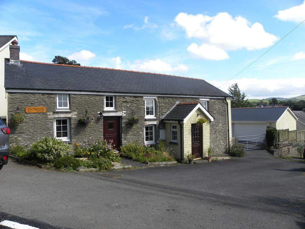 4 Bedrooms Detached House for sale in ., Llanybydder, SA40