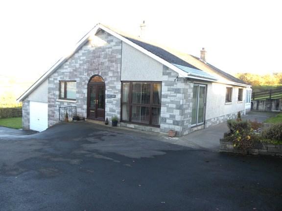 3 Bedrooms Detached Bungalow for sale in Carmarthen Road, Gwyddgrug, Nr Pencader, SA39