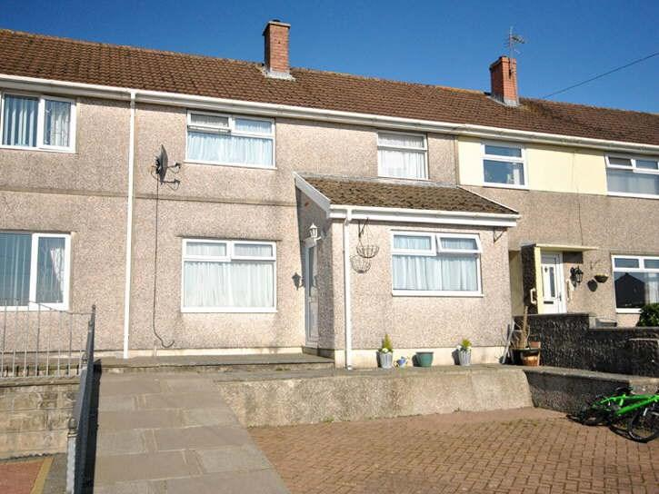 3 Bedrooms Terraced House for sale in Russell Terrace, Carmarthen, SA31