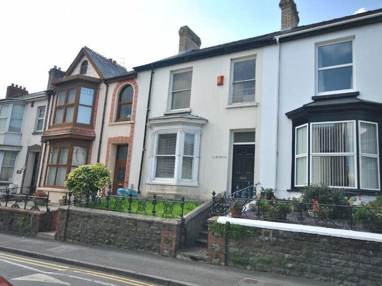 4 Bedrooms Terraced House for sale in Waterloo Terrace, Carmarthen, SA31
