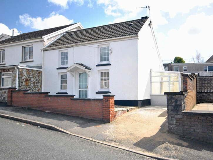 2 Bedrooms Semi Detached House for sale in Heol Llanelli, Pontyates, Llanelli, SA15