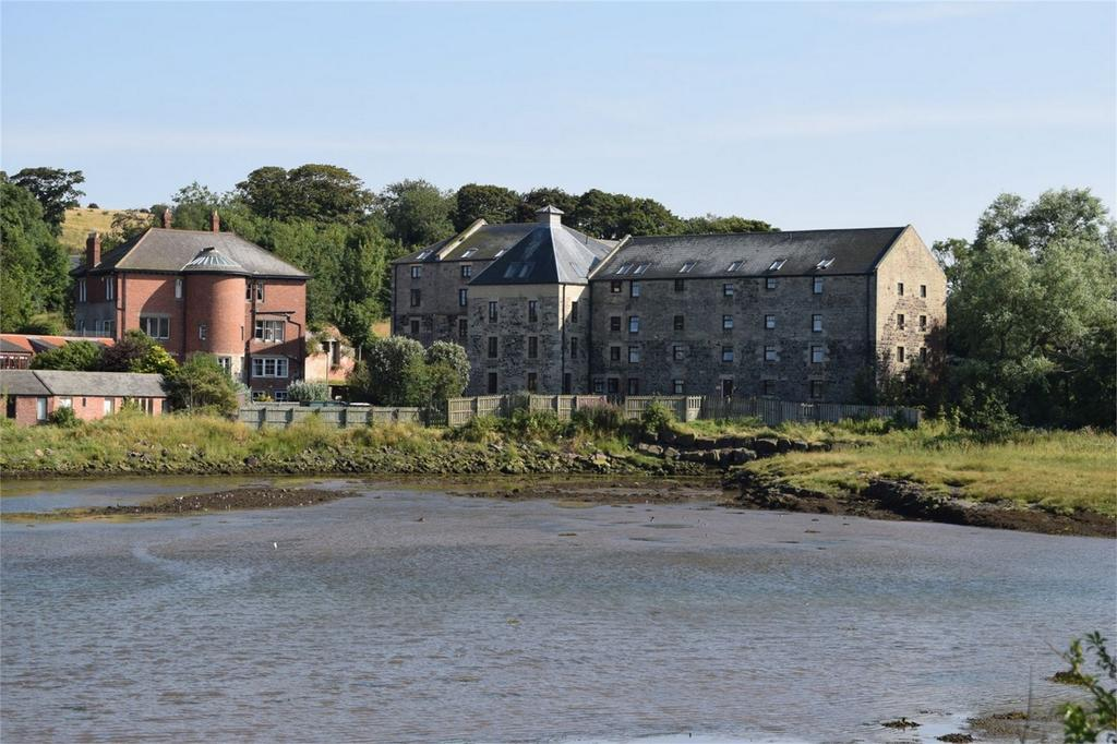 2 Bedrooms Flat for sale in 14, The Penthouse Apartment, The Mill, Waren Mill, Northumberland, United Kingdom