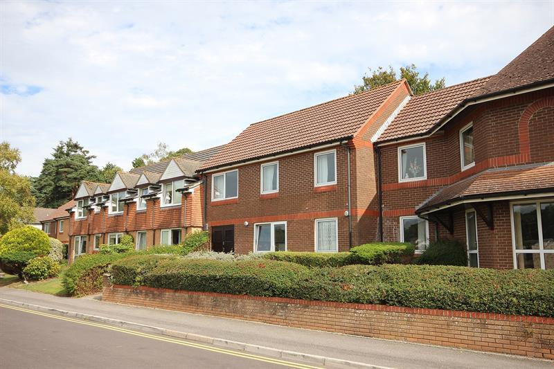 1 Bedroom Retirement Property for sale in Wentworth Drive, Broadstone