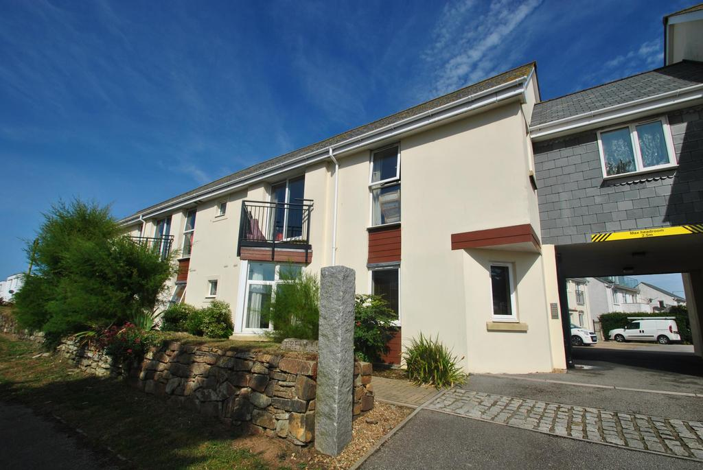 2 Bedrooms Flat for sale in Trehellan Heights, Newquay