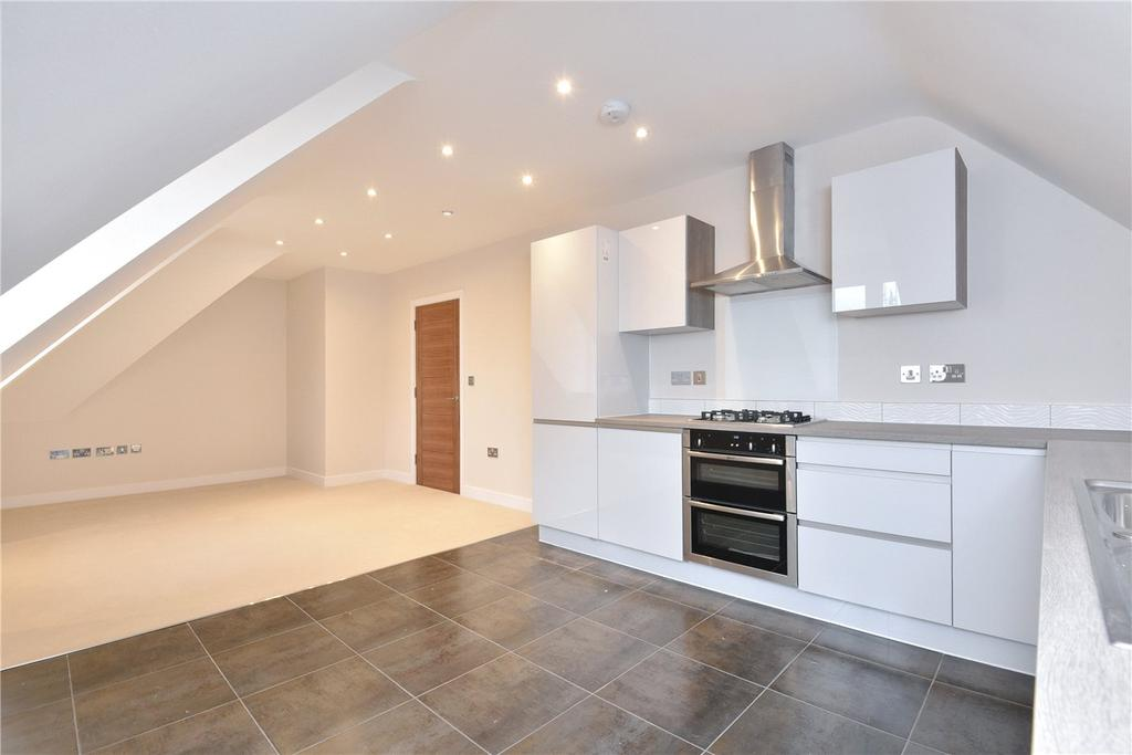 2 Bedrooms Flat for sale in Edison Place, Winchester Road, Basingstoke, RG21