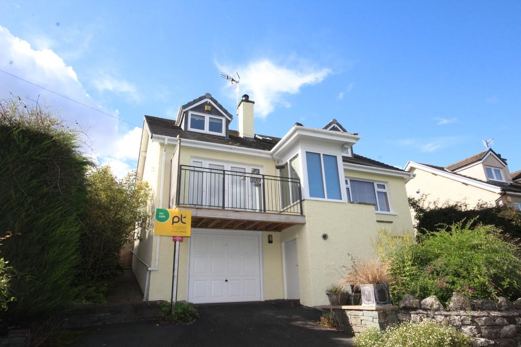 3 Bedrooms Detached House for sale in Linden Fold, Grange-Over-Sands.Cumbria LA11 7AY
