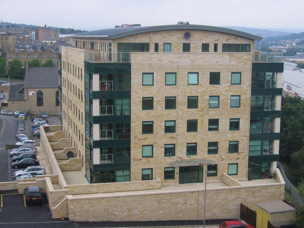 2 Bedrooms Apartment Flat for rent in Stonegate House, Bradford, BD1