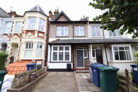 3 bedroom terraced house to rent - Parkhurst Road, Friern Barnet
