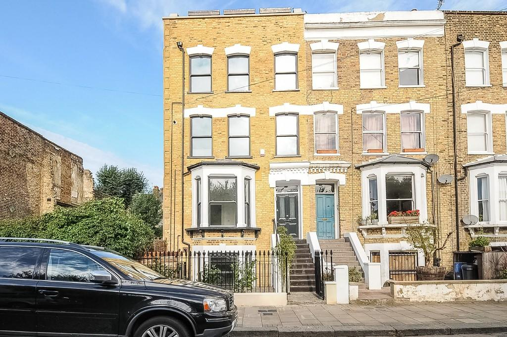 3 Bedrooms Apartment Flat for sale in Springdale Road, N16 9NX