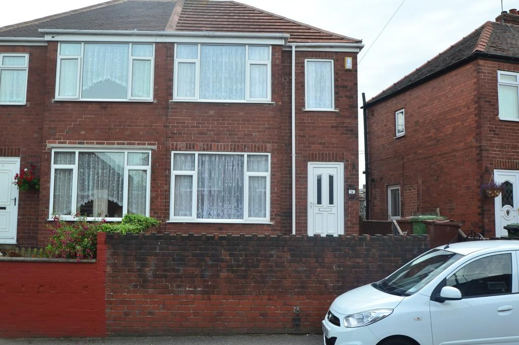 2 Bedrooms Semi Detached House for sale in Grange Avenue, South Elmsall