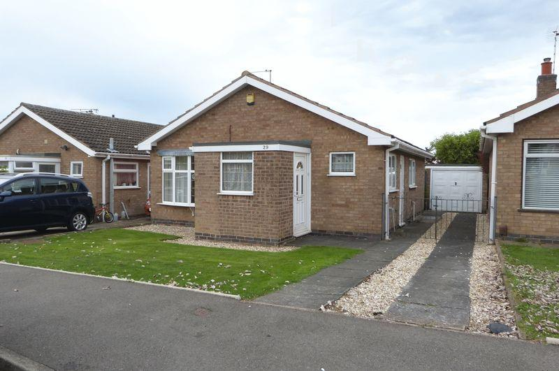 2 Bedrooms Detached Bungalow for sale in Frome Avenue, Oadby, Leicestershire LE2