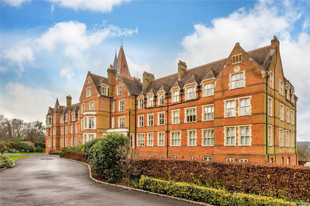 3 Bedrooms Apartment Flat for sale in Wolf's Row, Limpsfield, Oxted, Surrey, RH8