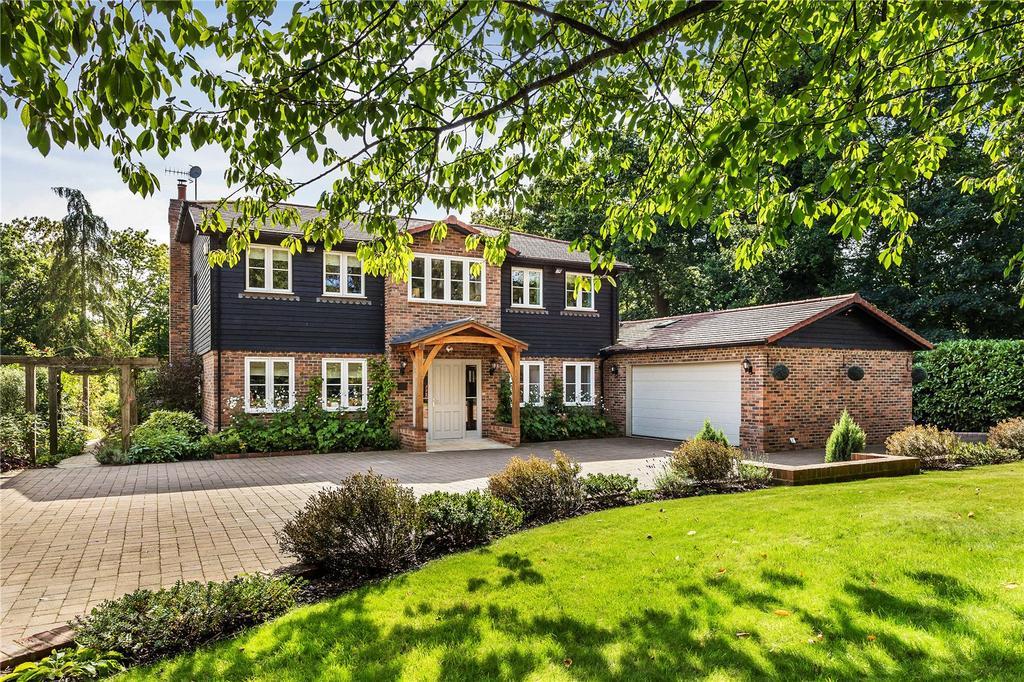 5 Bedrooms Detached House for sale in Spout Lane, Crockham Hill, Kent, TN8