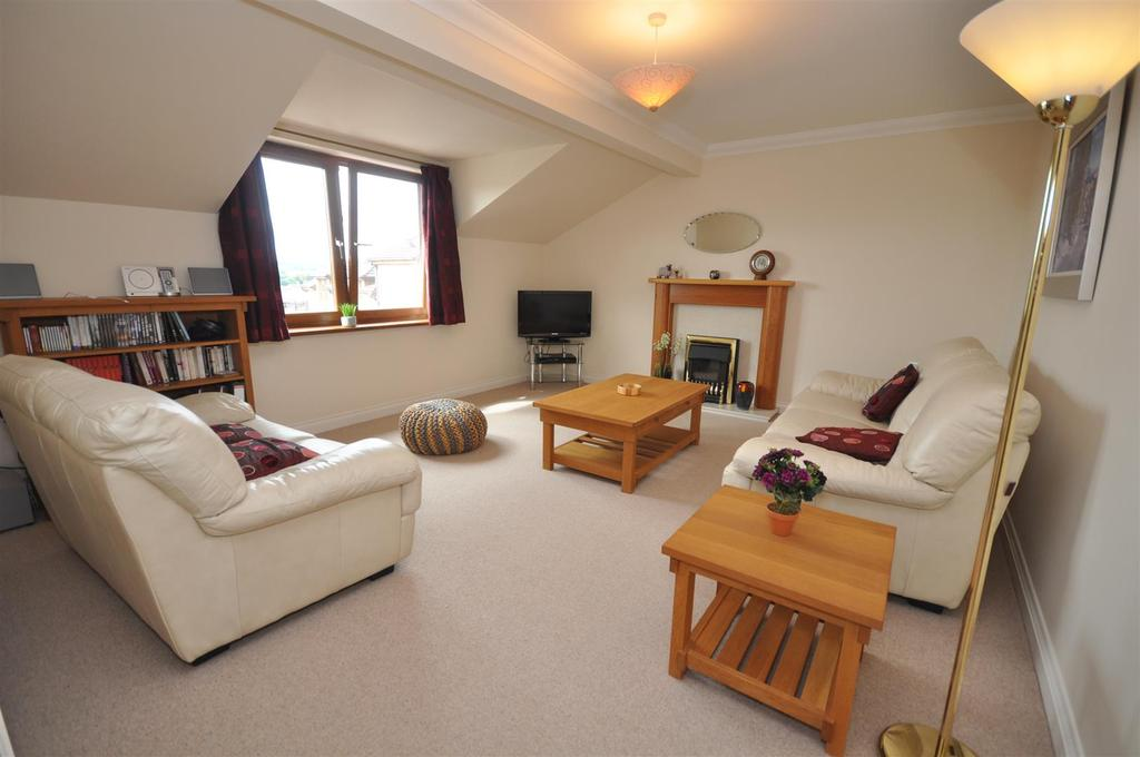2 Bedrooms Apartment Flat for sale in Monks Close, Penrith