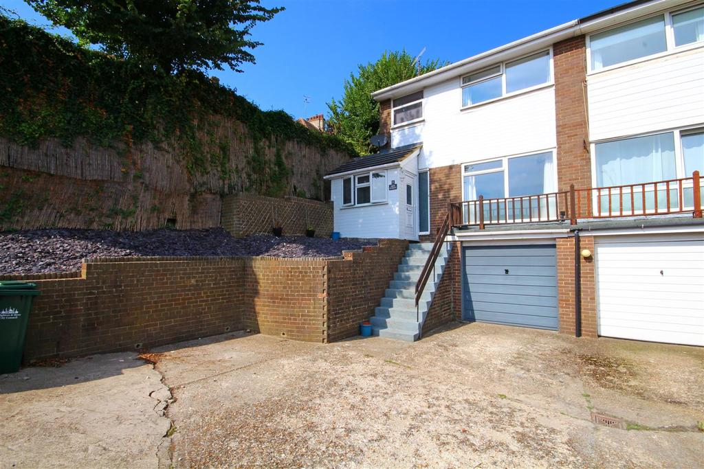 3 Bedrooms Semi Detached House for sale in High Street, Portslade Village, Brighton