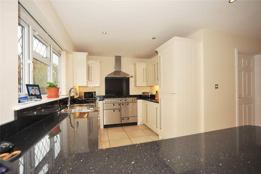 4 Bedrooms Detached House for sale in Second Avenue, Billericay, Essex, CM12