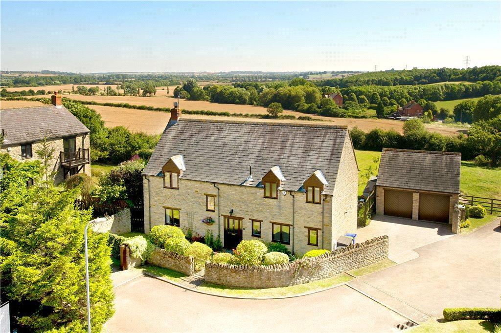 4 Bedrooms Detached House for sale in Manor Court, Cogenhoe, Northampton, Northamptonshire
