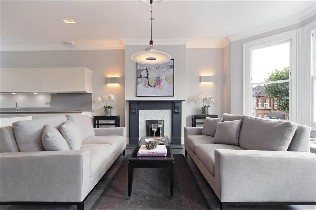 3 Bedrooms Flat for sale in Bathurst Gardens, Kensal Rise, London, NW10